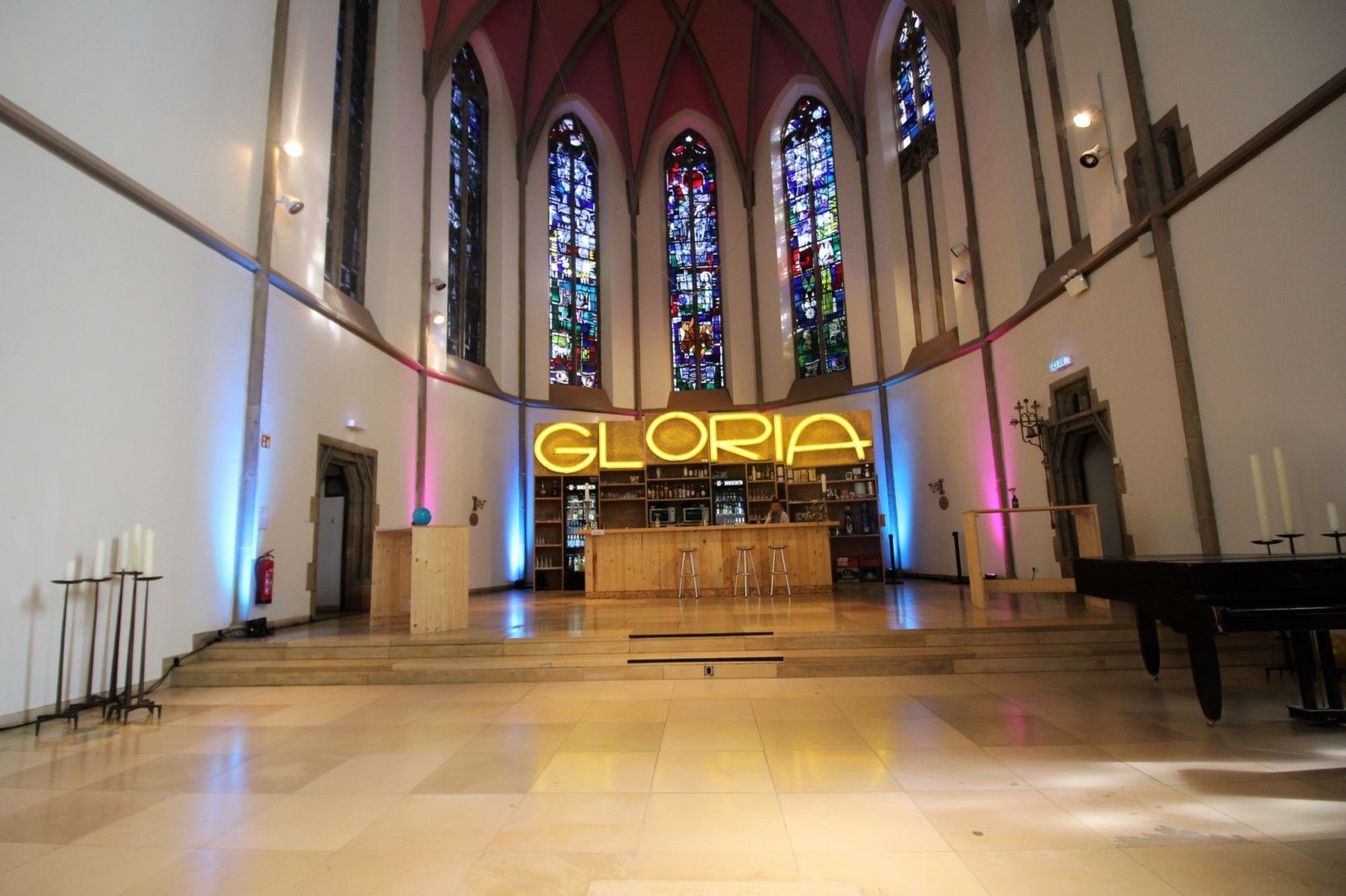 Die Gloria-Bar - so viel Platz.